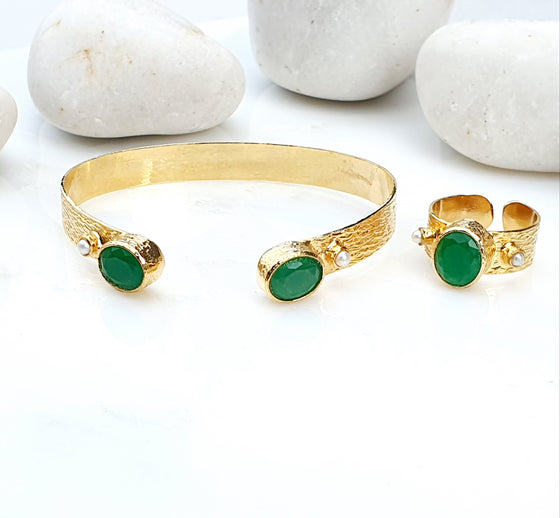 Emerald hammered bangle and ring set