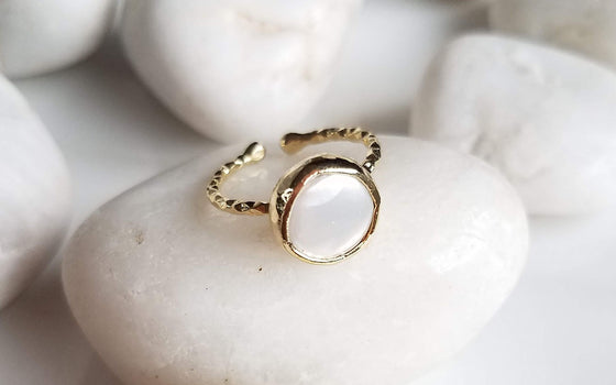 Pearl one stone ring