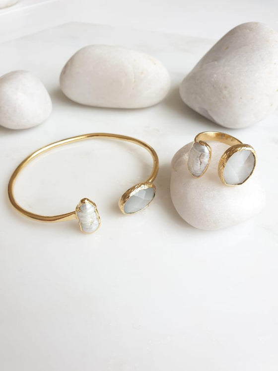 Grey Cat's Eye and Pearl ring and bangle set