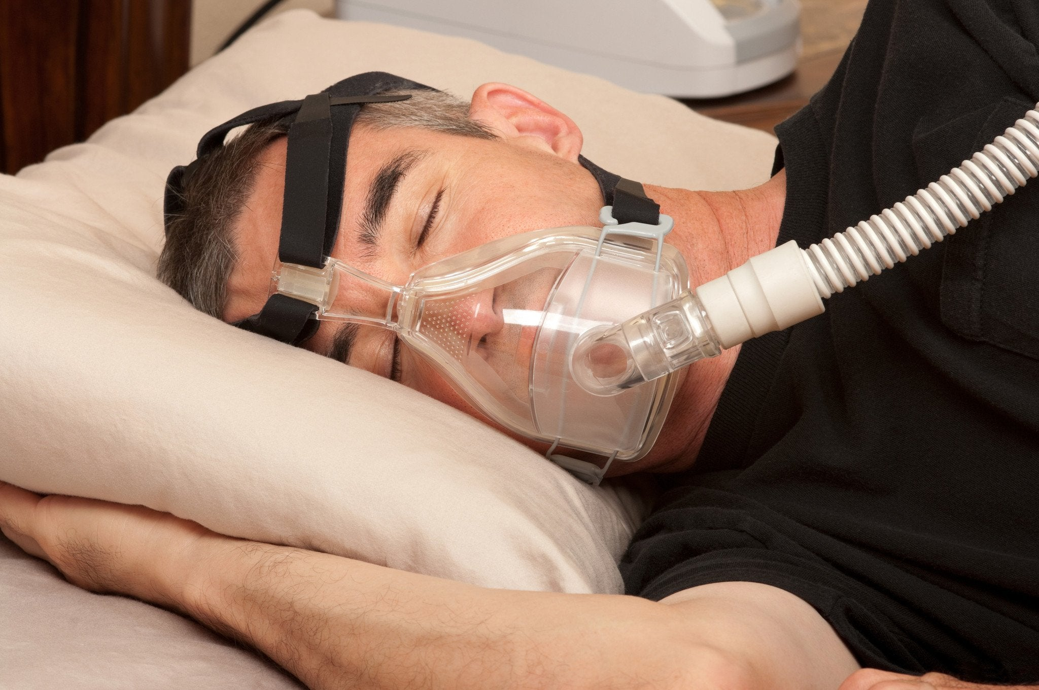 Seeking A Solution For Sleep Apnea: Snoring Mouthpieces vs CPAP Machines