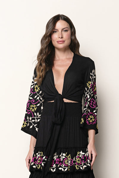 Top Selena Embroidery Black