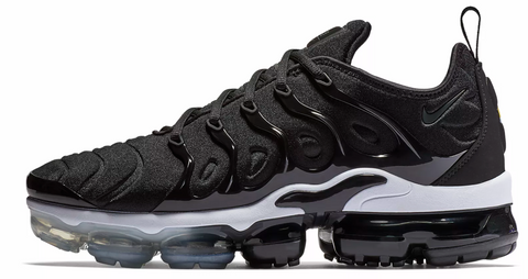 Nike Vapormax Plus Black / White