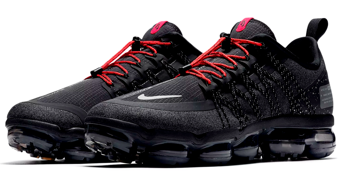 nike vapormax black with red laces off
