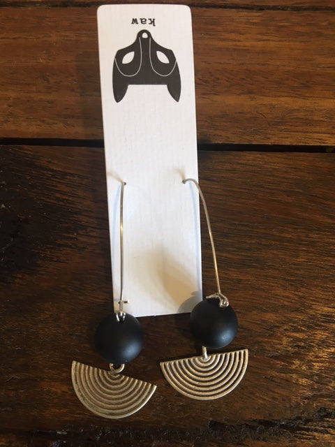 kaw - Black Onyx Fan Earrings