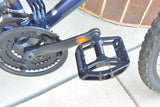 Bike Pedals: Light Weight with Anti-Skid Pins
