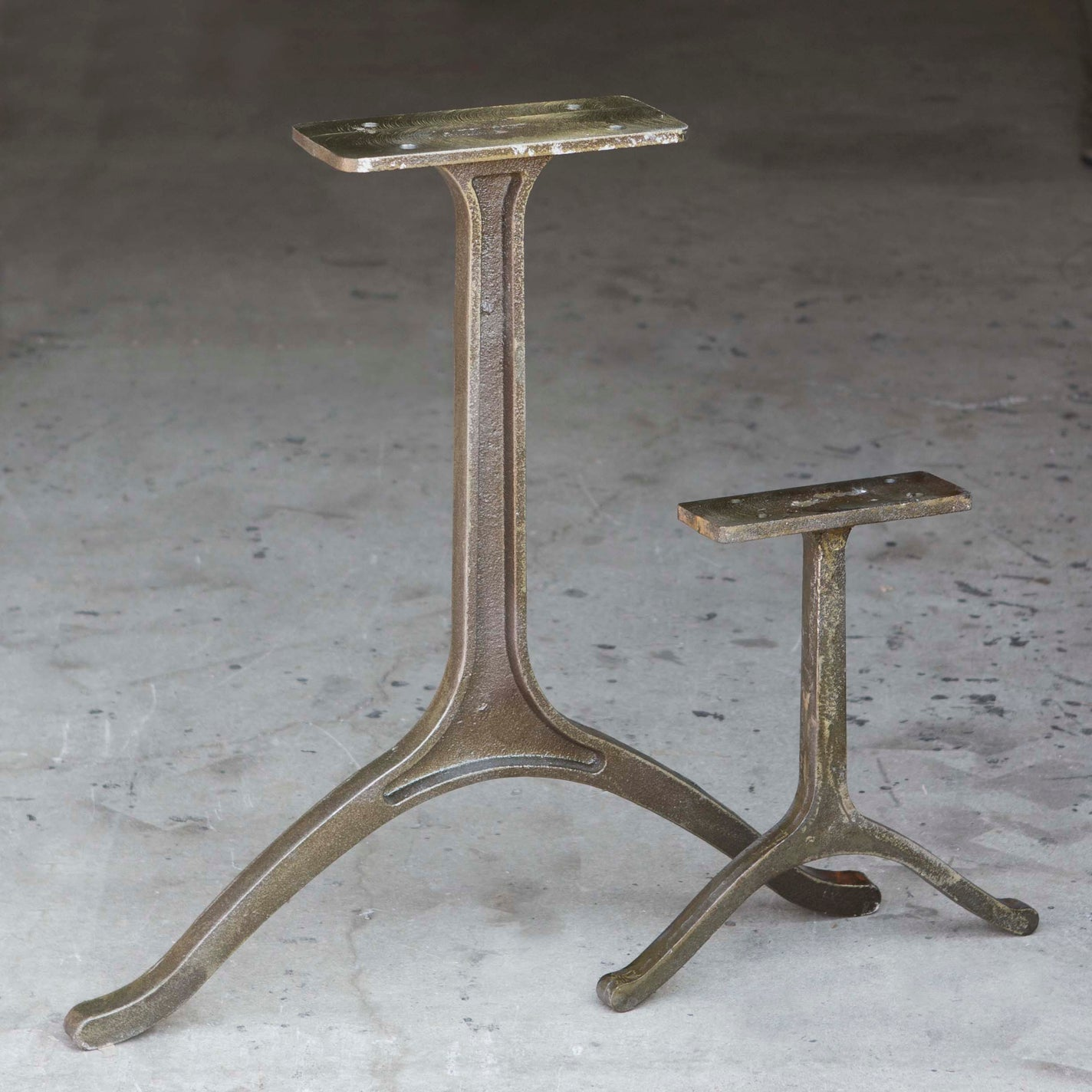 wb730 wishbone dining table legs cast iron 2 pack