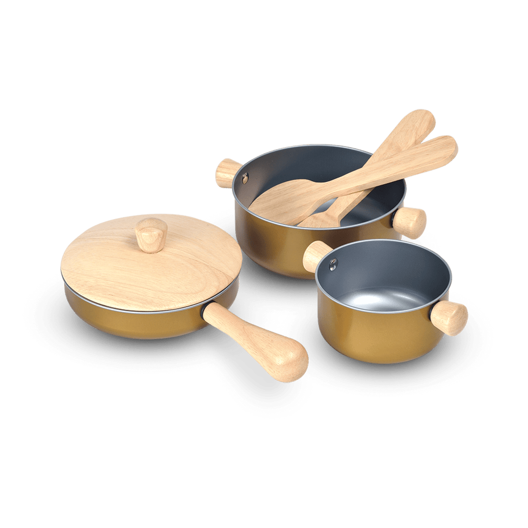 Wooden Cooking Pots and Utensils