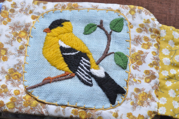 <i>Goldfinch</i> Cloth Quiet Book