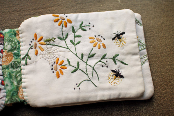 <i>In the Garden</i> Cloth Quiet Book