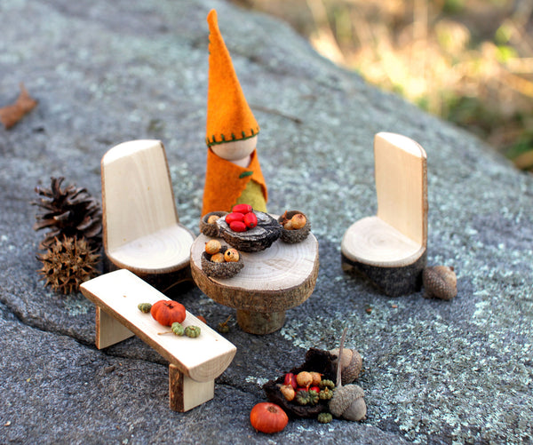 Gnome Dining Set