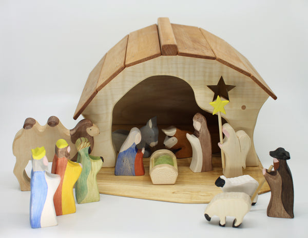 Complete Nativity Set with Stable by Brin d'Bois