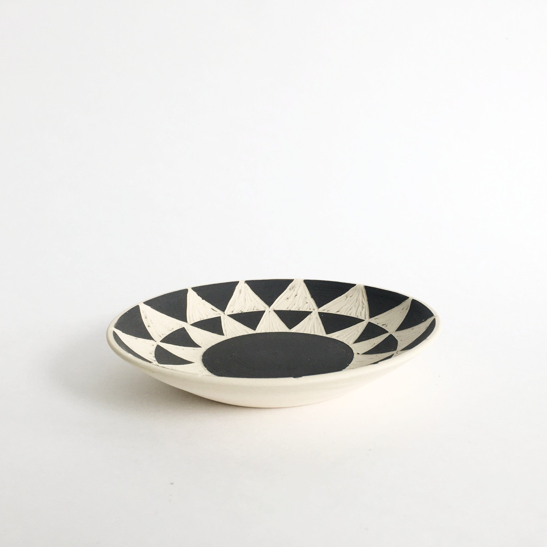 PATTERNED DISH No.1