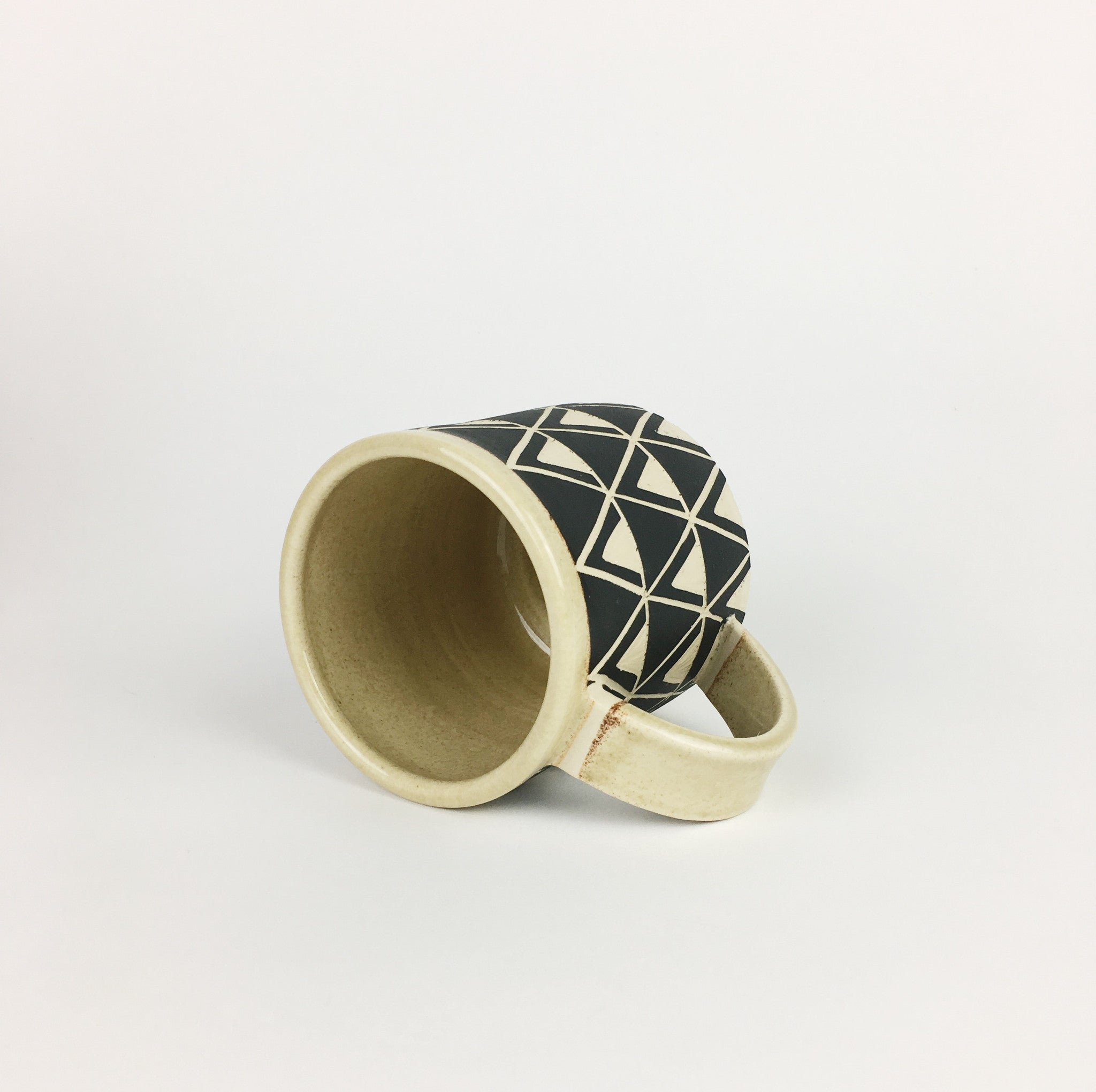 PATTERNED MUG NO. 5