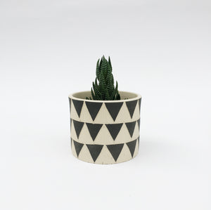 SMALL PLANT POT No. 1