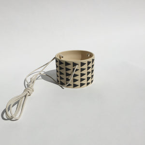 MEDIUM HANGING PLANT POT NO. 3