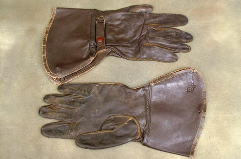 Allied Issue Brown Leather Gauntlet Set: WWII Dated
