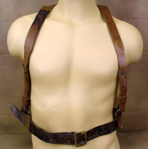 "GERMAN WWI ""Y"" STRAPS & BELT"