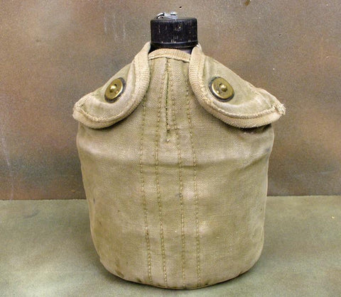 U.S. WWII Canteen in Infantry Carrier: WW2 Dated