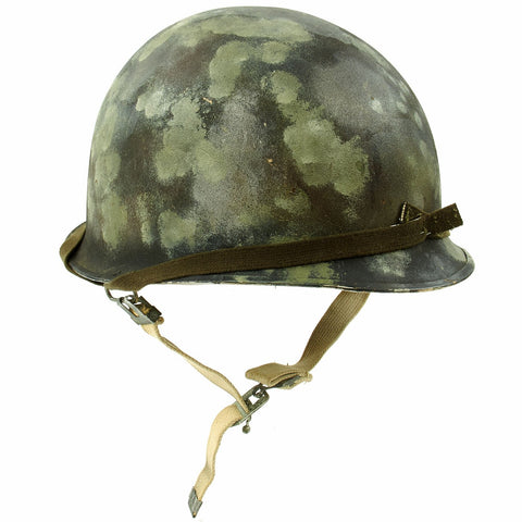 Original U.S. Operation Desert Storm Iraqi M1 Steel Helmet with Camouflage Paint Original Items