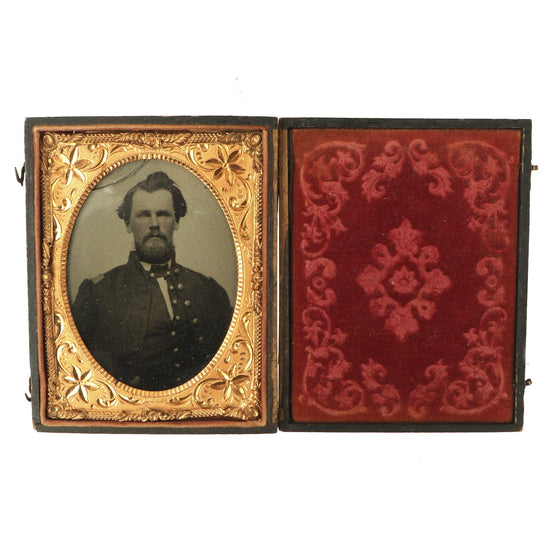 Original U.S. Civil War Federal Officer Sixth Plate Tintype Photograph in Case Original Items