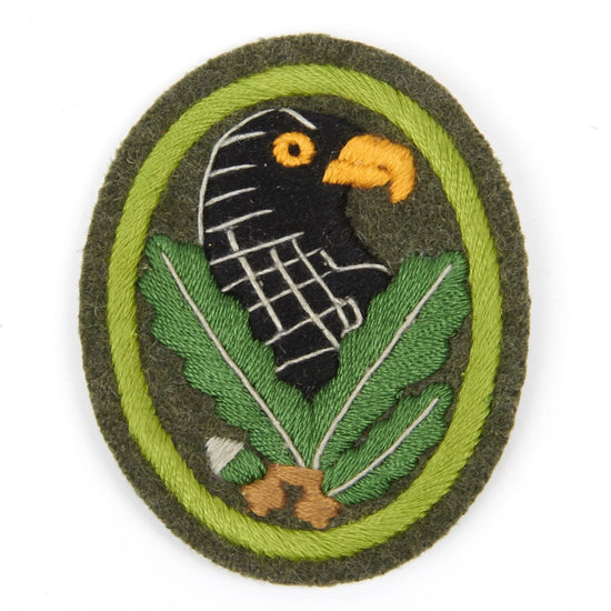 German WWII Sniper Cloth Badge with Green Trim- First Grade