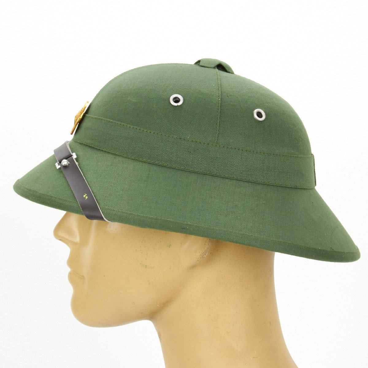 43e7a7d129f86 North Vietnamese Army Viet Cong Pith Helmet with Red Star Badge ...