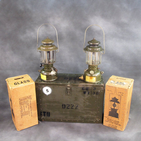 Original U.S. Korean and Vietnam War Coleman Gasoline Lantern Set with Transit Chest Original Items