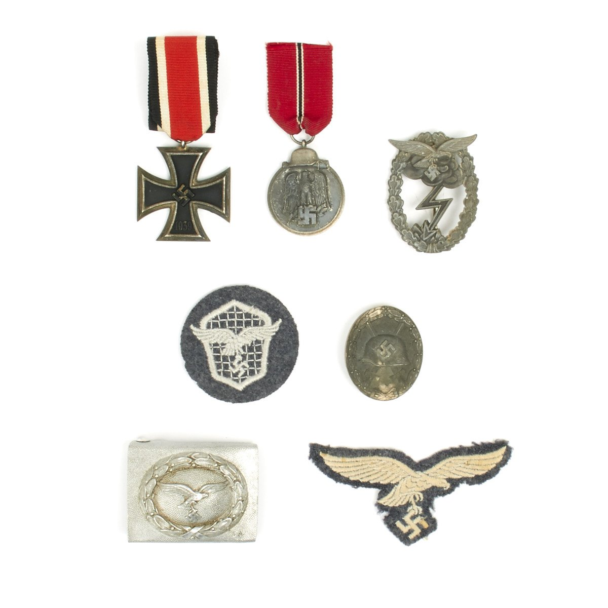 Original German WWII Luftwaffe Medal and Insignia Grouping