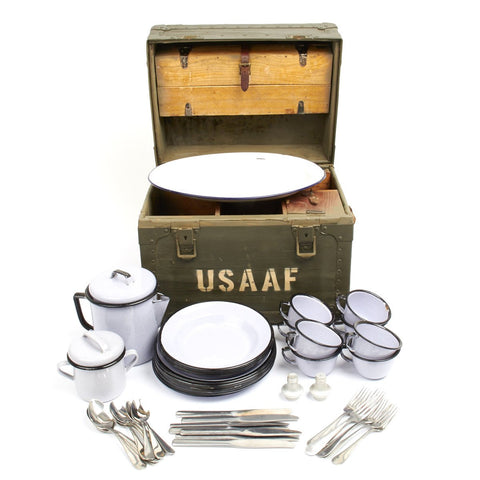 Original U.S. WWII USAAF Enameled Portable Mess Set in Transit Chest - By CRESCO 1944 Original Items