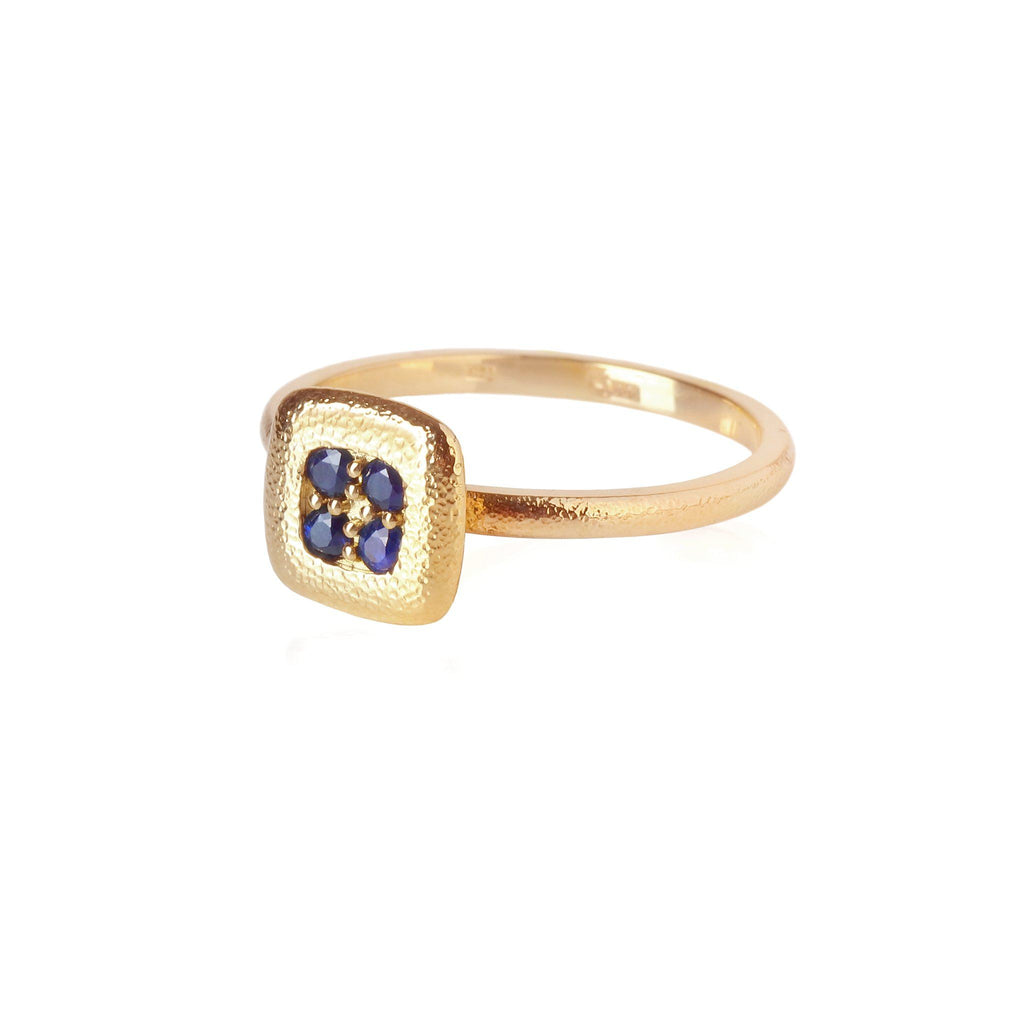 Rings - Gold Ring With Blue Sapphires
