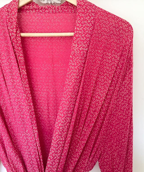 LADIES BEAUTIFUL BATIK DRESSING GOWN IN FUSCIA