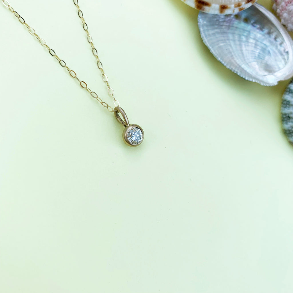 18ct Gold & Diamond necklace