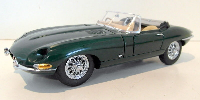 Franklin Mint 1/24 Scale Diecast - FMC15 1961 Jaguar E-Type Roadster green