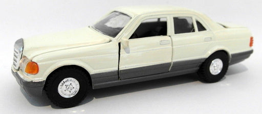 Diapet 1/40 scale diecast - 01759 Mercedes Benz 560SL White