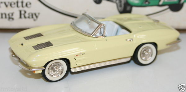ST MARTINS / SMTS 1/43 WHITE METAL - 1963 CORVETTE STING RAY - PALE YELLOW