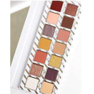 Kylie Holiday The Nice Eyeshadow Palette