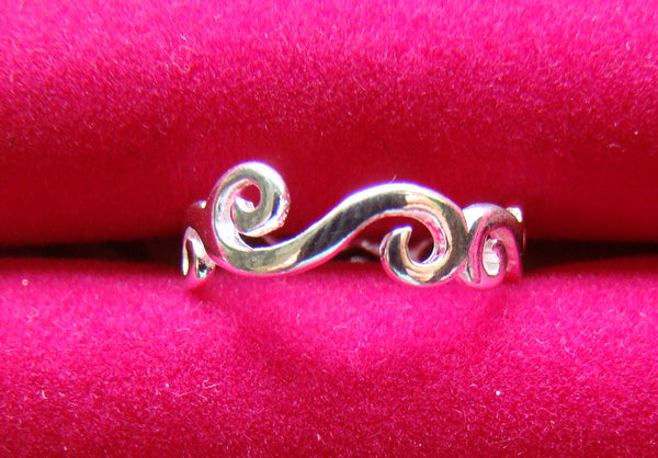 Scroll Ladies Size 7 Ring Sterling Silver