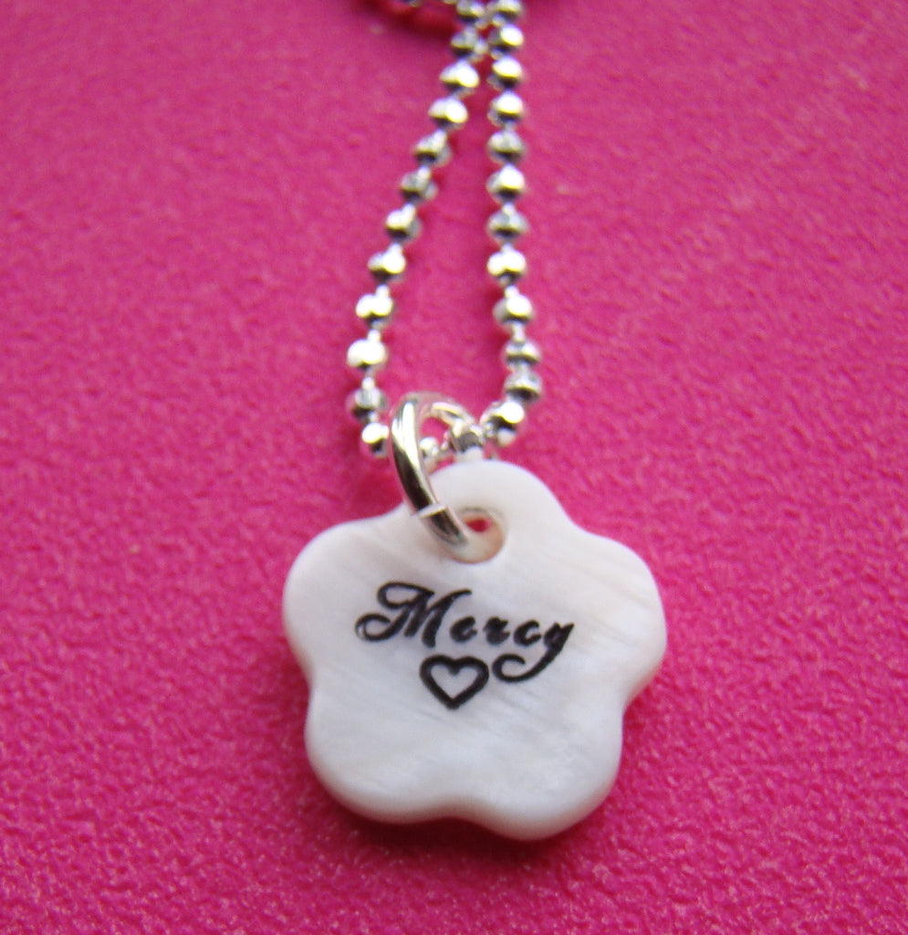 Engraved Mother Of Pearl Shell Charm Heart Flower Pendant Necklace