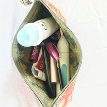 Make up bag-Cosmetic case- Mid size travel case - Barbz.net