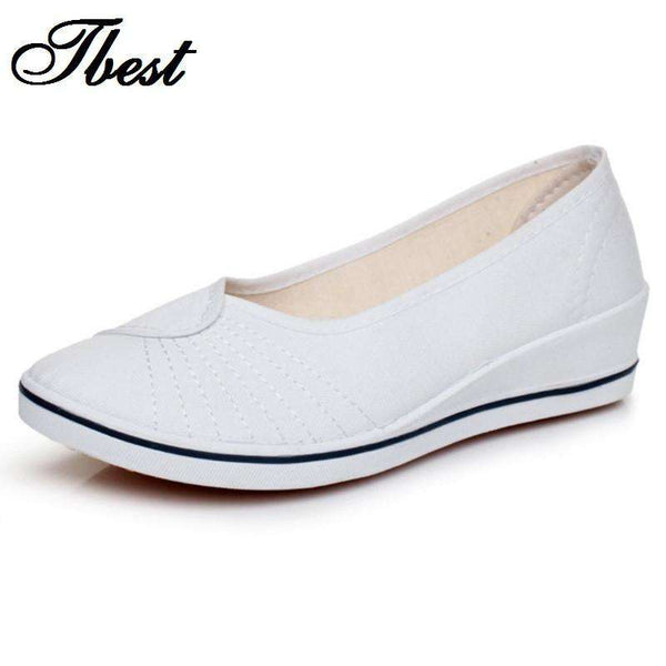 **44% Discount** White Black Comfortable Shoes