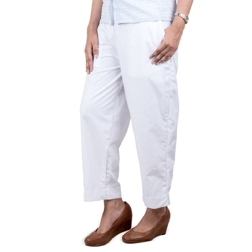 Nurai White Cropped Pajama With Small Printed Symbols For Women Md