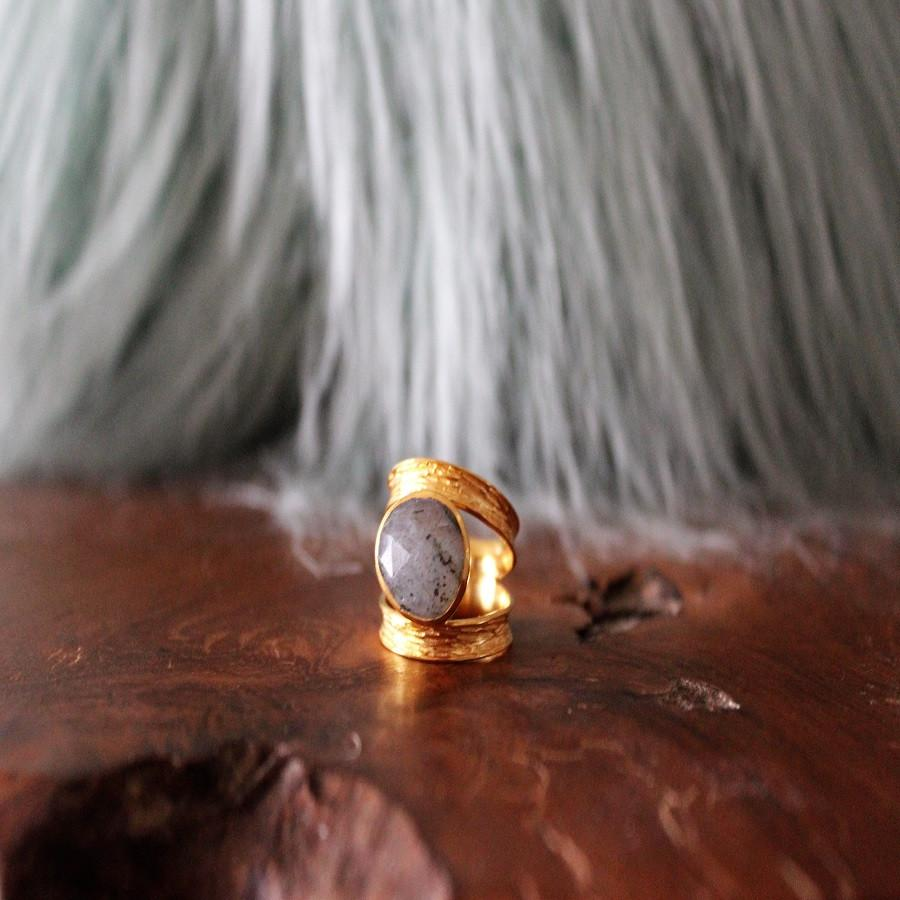 Boho Chic gray stone ring with open band
