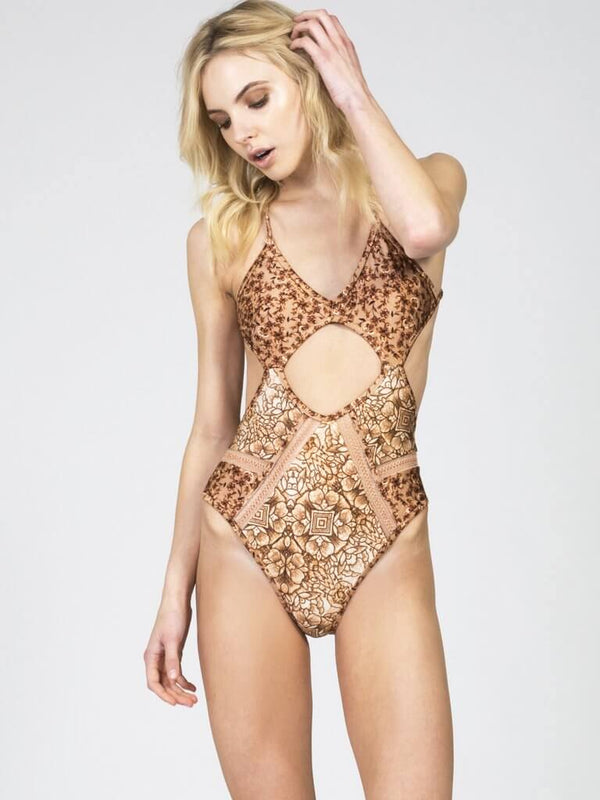 GOLDEN SANDS ONE PIECE