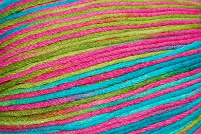 Universal Bamboo Pop Yarn