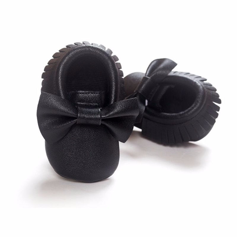 Shiny Black Shoes With Bow - MunchkinGear.com