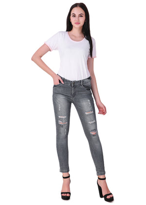 White-Short-Sleeve-Plain-T-Shirt-for-Women-Online-at-Gajari.com-The-Best-T-Shirt-Brand-full-front-view2