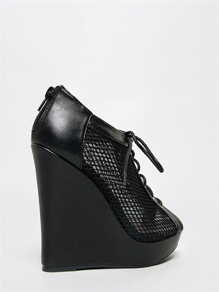 Qupid Enrich-151 - Black PU