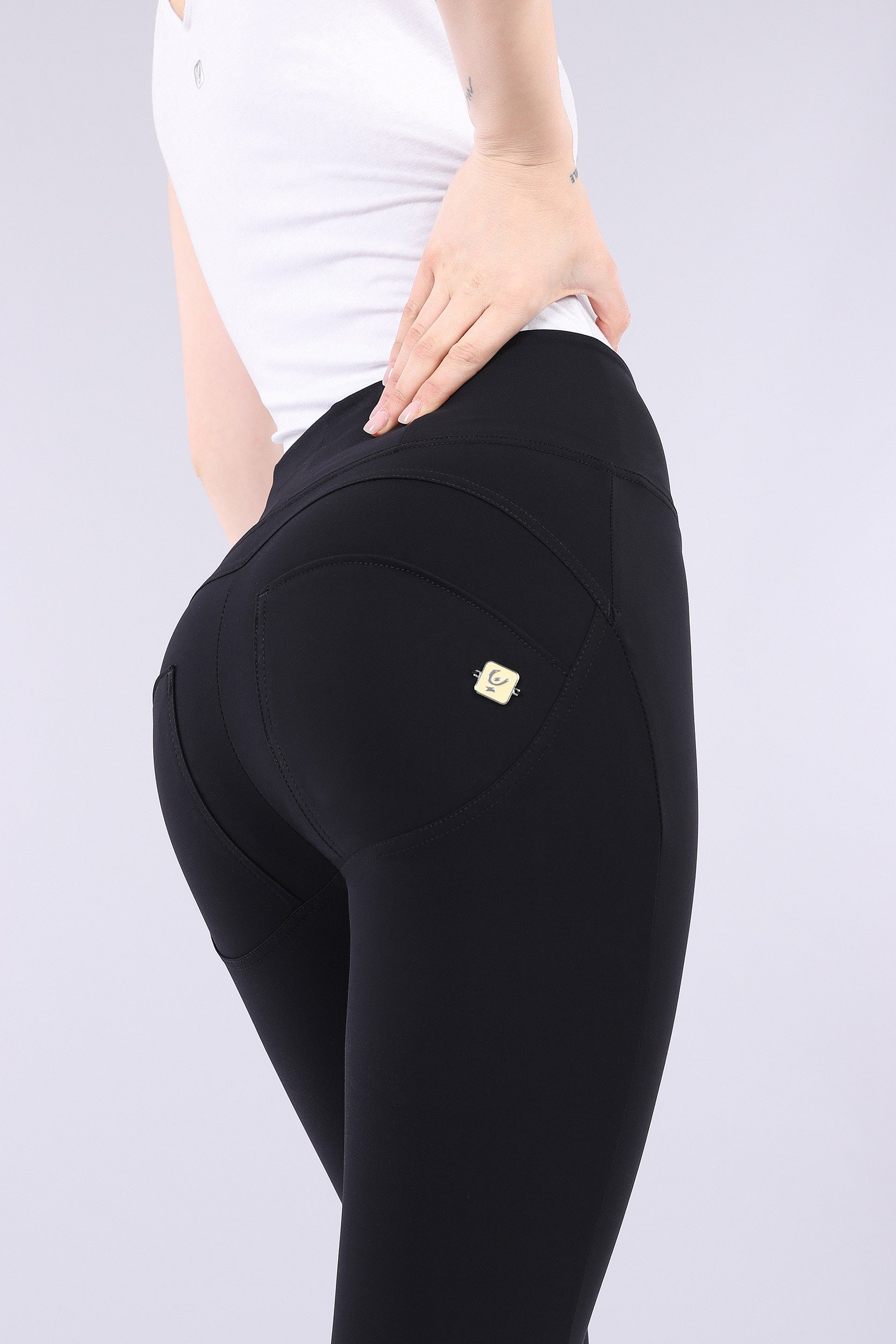 7/8 ANKLE BLACK D.I.W.O.® PRO BEAUTY EFFECT HIGH WAIST