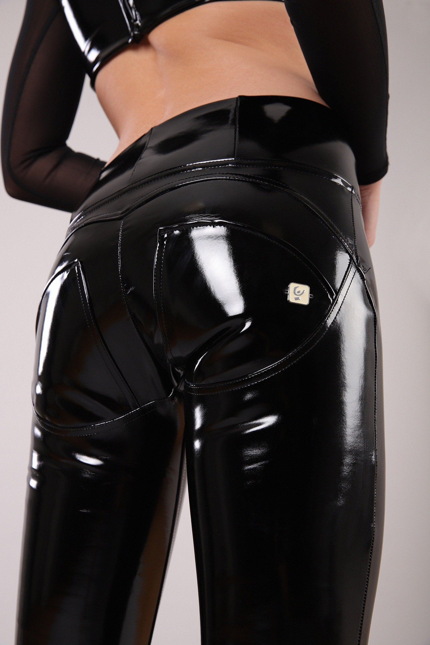 SKINNY BLACK LATEX EFFECT HIGH RISE