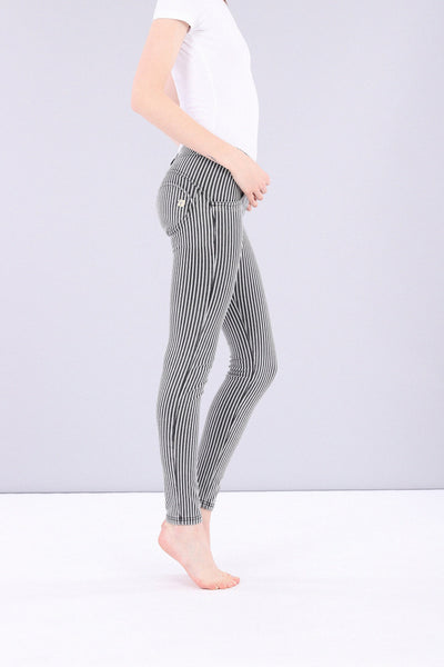 BLACK STRIPED DENIM EFFECT MID RISE